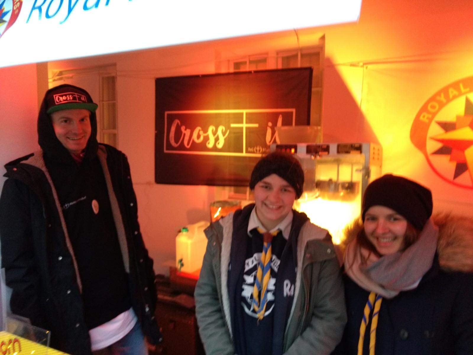 cross it - Christkindlmarkt in Markt Indersdorf - Stand Team